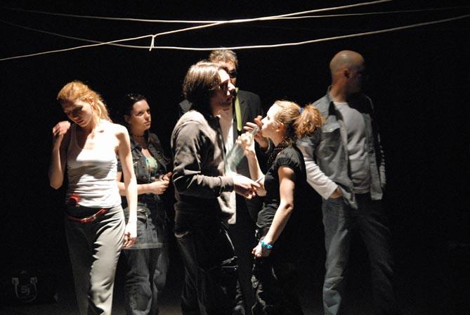 Predstava: 'Godo na usijanom limenom krovu' u izvedbi Srpskog narodnog pozorišta u Kerempuhu 10. prosinca 2012. godine