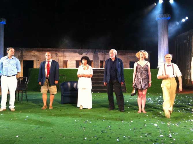 'Naklon nakon izvedbe predstave 'Pokojnik' ; Foto RJ