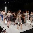 [ 16/10/2013; 15:00; ] Tretji in zadnji večer Fashion Weeka je odprla Maja Ferme s svojo pomladno kolekcijo. Navdih je poiskala v hollywoodskih damah iz preteklih obdobij. Pripravila je tudi nekaj moških kreacij, ki so bile klasično krojene. Nelizabeta je na modni brvi predstavila kolekcijo, ki jo je poimenovala: »Relax, nothing is under control« (Sprosti se, ničesar nimaš pod nadzorom). [...]