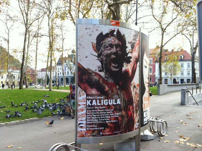 Plakat predstave 'Kaligula' ; Fofo AJ