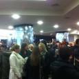 Otvorenje Festivala dokumentarnih filmova u Zagrebu prestižan je društveni doživljaj. U predvorju Cineplexxa u Kaptol centru u nedjelju 23. veljače 2014. bili su svi koji se inače mogu vidjeti na televiziji, poznati iz politike, kulture, znanosti, zabave i filma. Pola sata prije osam, oko kamere postavljene za izravno javljanje u tijeku TV dnevnika, gužva ljudi [...]