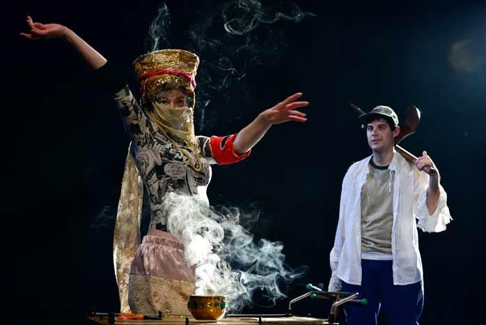 [SLO] Drama – Gledališka bum-bonjera – dogodovština za dva igralca in občinstvo [osvrt Vendi jukić]