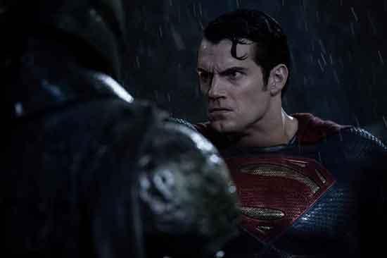 Batman V Superman: Zora pravednika ; Ustupio CineStar