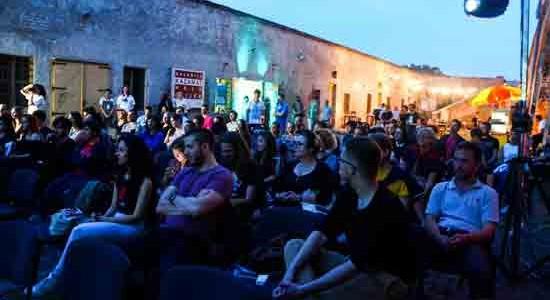 27. svibanj 2016. godine – više od 50 filmova bit će prikazano na prvoj osječkoj Filmskoj RUNDI – reviji hrvatskog kratkometražnog filma koja je u petak svečano otvorena u Galeriji Kazamat. Filmska RUNDA je nastala u produkciji produkciji neprofitne umjetničke organizacije TEATAR TO GO, a cilj je prikazati recentna ostvarenja mladih autora s posebnim naglaskom [...]