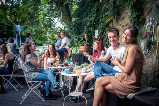 U Zagrebu otvoren Cafe Sjedi 5