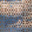 László Krasznahorkai  Seiobo je bila tamo dolje Originalni naslov: Seiobo járt odalent 2008. Prevela: Viktorija Šantić Hrvatsko izdanje: ožujak 2016. Format: 13×20 cm Meki uvez s klapnama 408 str. ISBN: 978-953-332-035-9 Cijena: 160.00kn  'Seiobo je bila tamo' dolje knjiga je 17 međusobno povezanih priča, 17 poglavlja usložnjenih po Fibonaccijevu nizu, strukturno nalik progresiji spirale. U svakome pojedinom poglavlju, čija se radnja odvija na najrazličitijim [...]