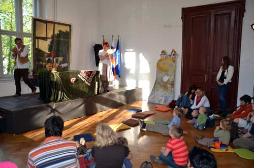 NMS - Otvorenje izložbe 'Svetovi in junaki' - Predstava 'Tam daleč' lukatske skupine Pepino iz Niša. Foto: VJB.